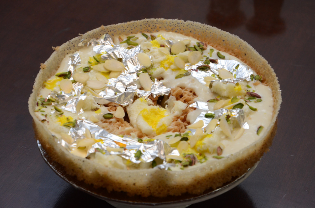 Malai-Ghevar_foodguruz.in